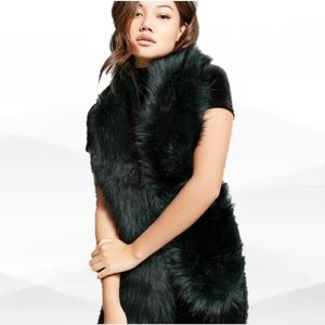Beautiful Vegan Faux fur scarf from forever 21